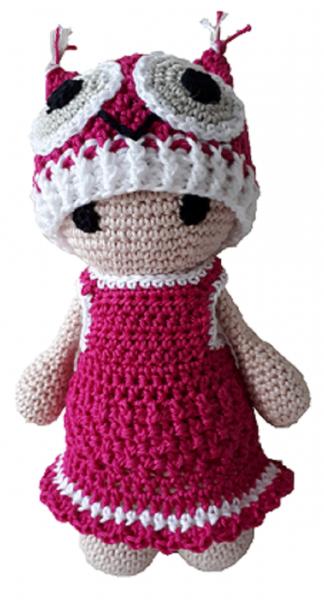 Puppe mit Eulenmütze